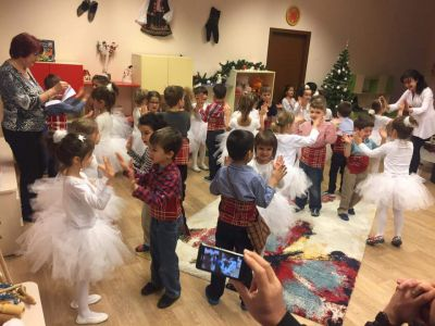 "Коледен празник в група""Звънче"" - ДГ №19 Света София, Лозенец"