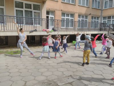 Латинотанци на двора с Мина - ДГ №19 Света София, Лозенец