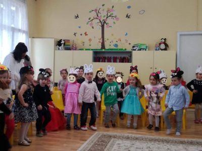 Група Пинокио празнува Благовещение: Всеки на света си има своя майчица любима - ДГ №19 Света София, Лозенец