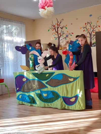 Посещение на театрална пстановка с образователна насоченост: Телефонен номер 112 - ДГ №19 Света София, Лозенец